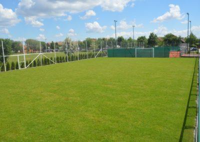 Otvoren travnati teren koji se nalazi tik pored balona SC Bambi